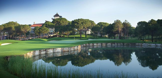 Ninth hole on the Montgomerie Maxx Royal