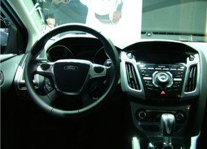 Ford Focus Titanium cabin