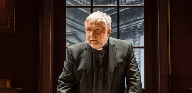 Temple at the Donmar - Simon Russell Beale as The Dean