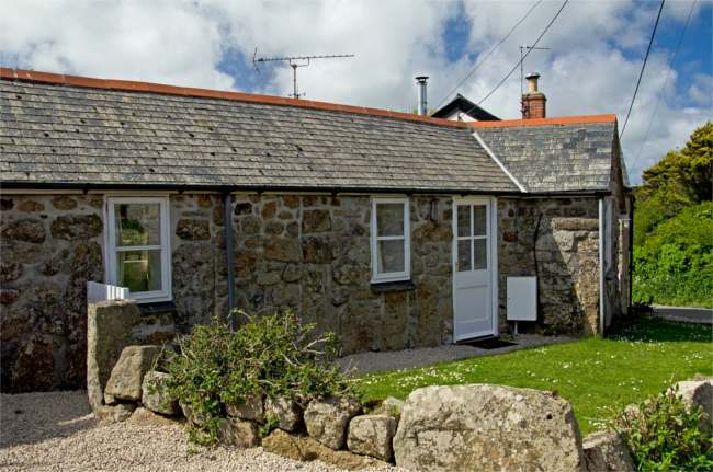 The Little Cottage – Treen, Cornwall