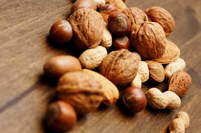 Nuts healthy foods