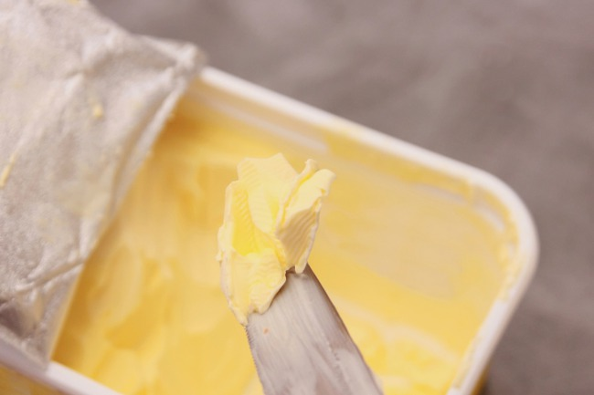 Functional margarines (plant sterols) v butter