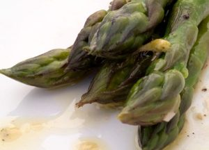 Asparagus and orange dressing