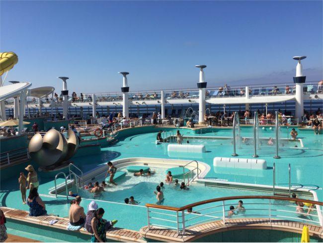 Sun deck and pool
