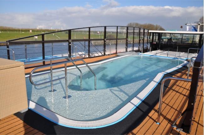 Cruise Public facilities