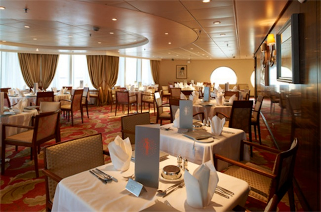 Dining room on Braemar