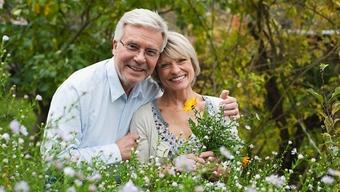Dating för seniorer över 70 35 dating en 20 år gammal