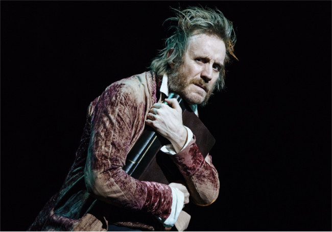 Rhys Ifans's excellent performance as Scrooge really makes this production of A Christmas Carol zing