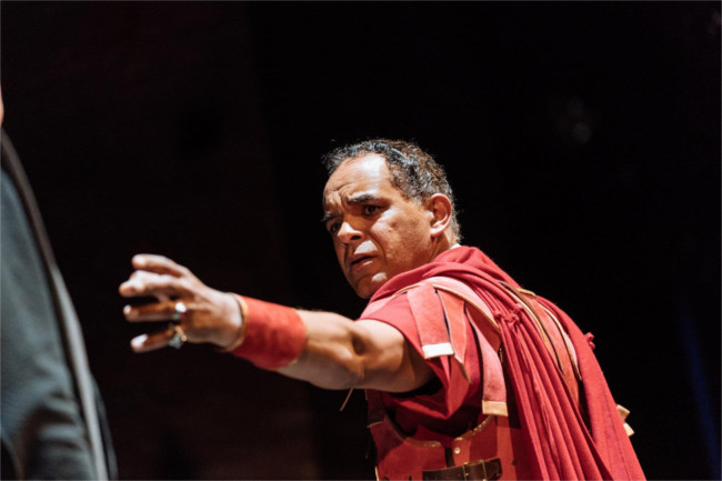 Peter De Jersey excels as Julius Caesar