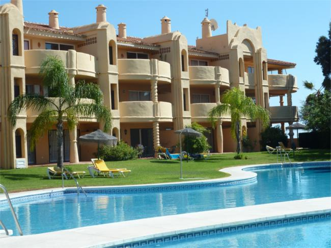 Apartamentos El Porton start from just £512 per person