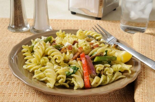 mushroom, spinach & walnut pasta