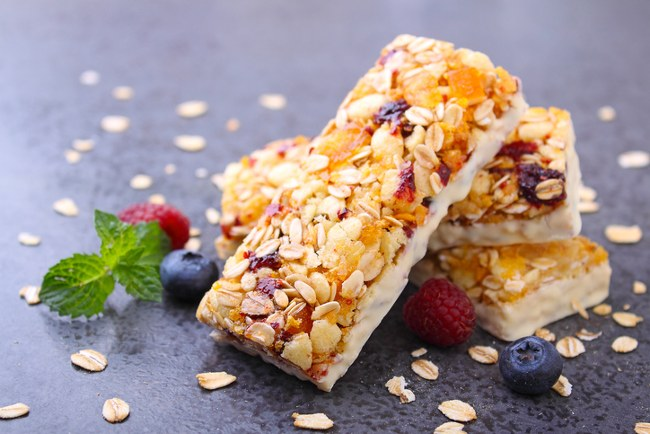 dried fruit cereal bar