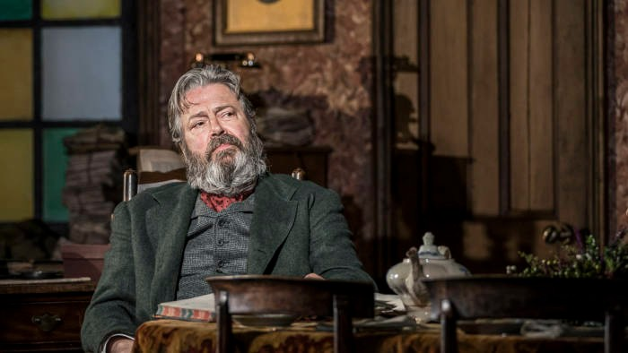 Roger Allan as Rutherford Snr © Johan Persson