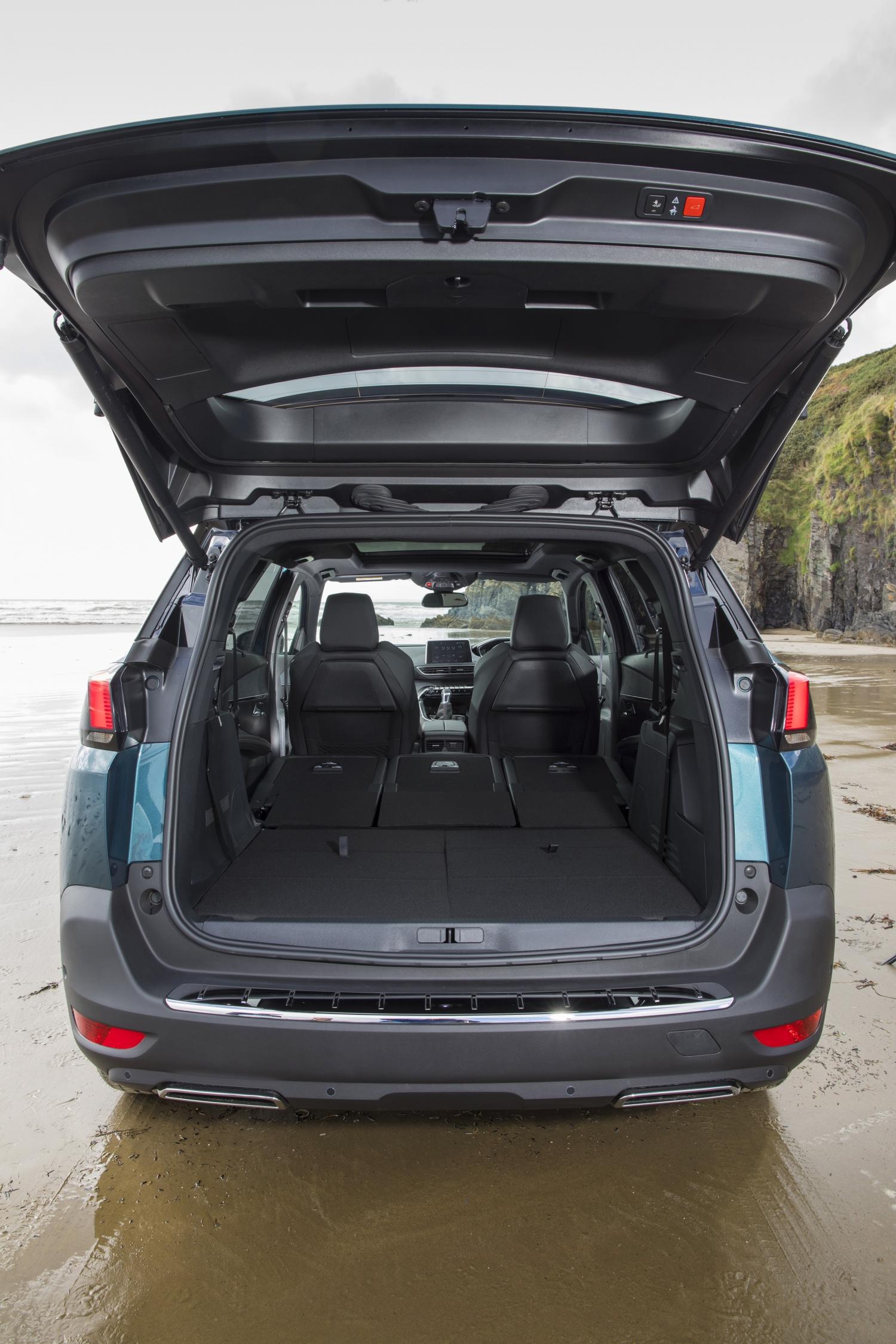 Peugeot 5008 SUV storage