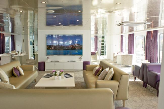 Lounge on Lafayette