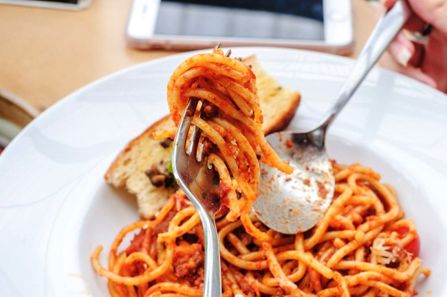 roasted pepper sauce with spaghetti