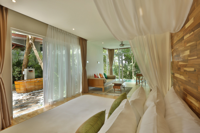 Ambong Pool Villas